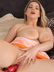 Natural busty hot babe pleasuring