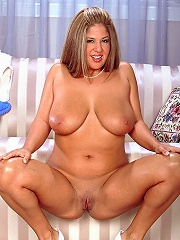 Big chesty lady darina sucking 2 big dongs and double penetrated.