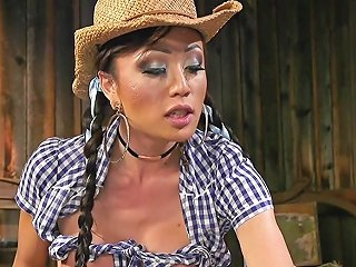 Tranny Cowgirl Gives Anal Creampie