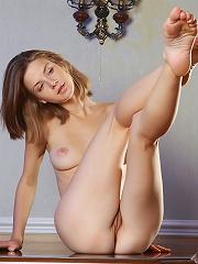 httphosted.femjoy.comgalleries114805_fxv015_fvw625