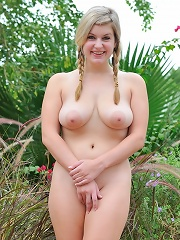 Danielle plays with her pussy outside