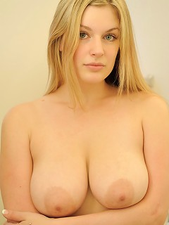 Danielle strips down and showers her pussy and titties