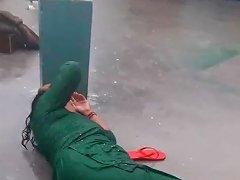 Moti Gaand Wali Mummy Enjoying In The Rain