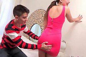 Soraya Loses Her Innocence Surrounded By Cocks Hd Porn 18