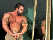 This is Xavier's first appearance on MuscleHunks.com. But he is not a complete new-cummer, since he already satisfied many of you in private webc