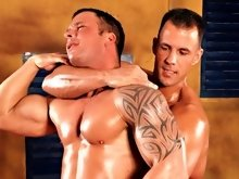 Newcomer Antonio Russo v Max Summers Video starts with superhot bodybuilding competitor-newcomer Antonio and fan favorite musclegod Max posing for eac