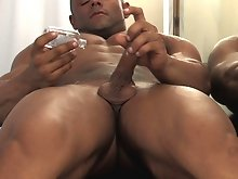 New man Joey Lassiter is one of those guys with a quiet face and a calm demeanor - he lets his physique do the talking for him. An ambitious light-hea