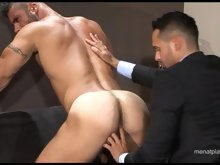 Big and hairy muscled hunks get it on right in the office
