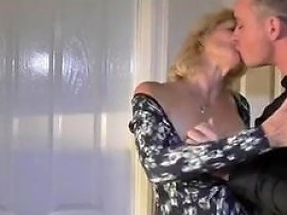 Mommy Is Getting It On With Hot Jungschwanz Free Porn 25