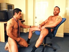 Beefy porn stars Daniel&rsquo in hot action on video and pics