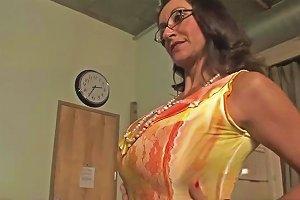 Very Sexy Step Mama Persia Monir Bonnie Skye Gives Blowjob Hard Touching Dad's Friend