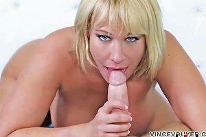 Curvy Blonde Housewife Pleasures A Massive Boner Drtuber