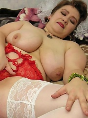Watch filthy porno moms here!