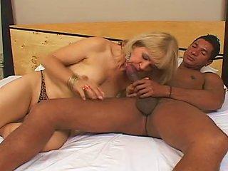 Wild Fuck For Slutty Mature Lady