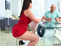 A Babe With A Nice Big Ass Gets Fucked Hard And Cums