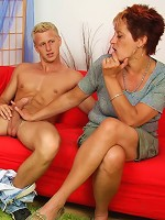 He agrees to take her pets while she is on vacation and she agrees to pleasure his dick