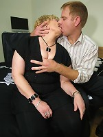 Kinky mature couple sucking and fucking