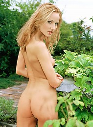 Sexy Blonde Chick Poses Naked In The Garden Teen Porn Pix