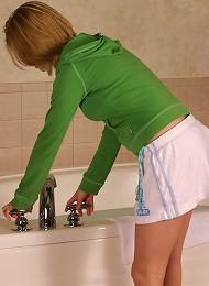Undressing And Having A Bath Teen Porn Pix
