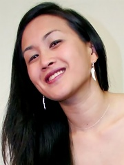 From Silicone Valley comes 23 year old Sarin Song. Of American-born Chinese heritage, she appears here stripping and baring it all in her very first s