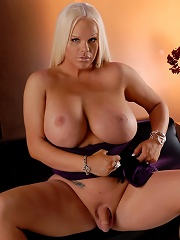 Holly Sweet Posing Nude In A Glamour Set