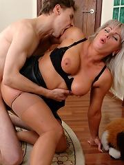 Jessica&Jerome pantyhosefucking sweet mature woman